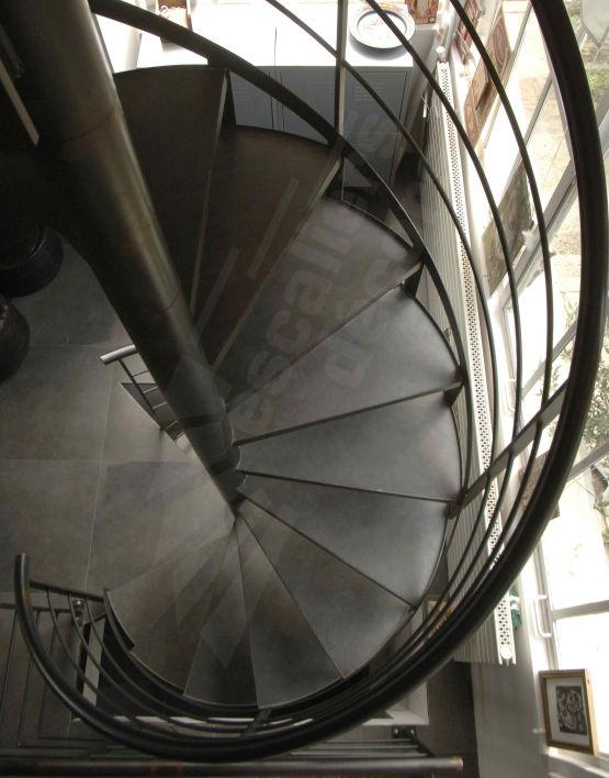 Escalier h lico dal en acier marches caisson pour b ton d coratif escalie - Escalier helicoidal acier ...