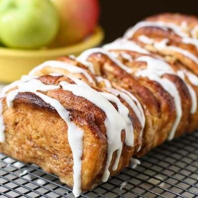 Apple-Cinnamon Pull Apart Bread