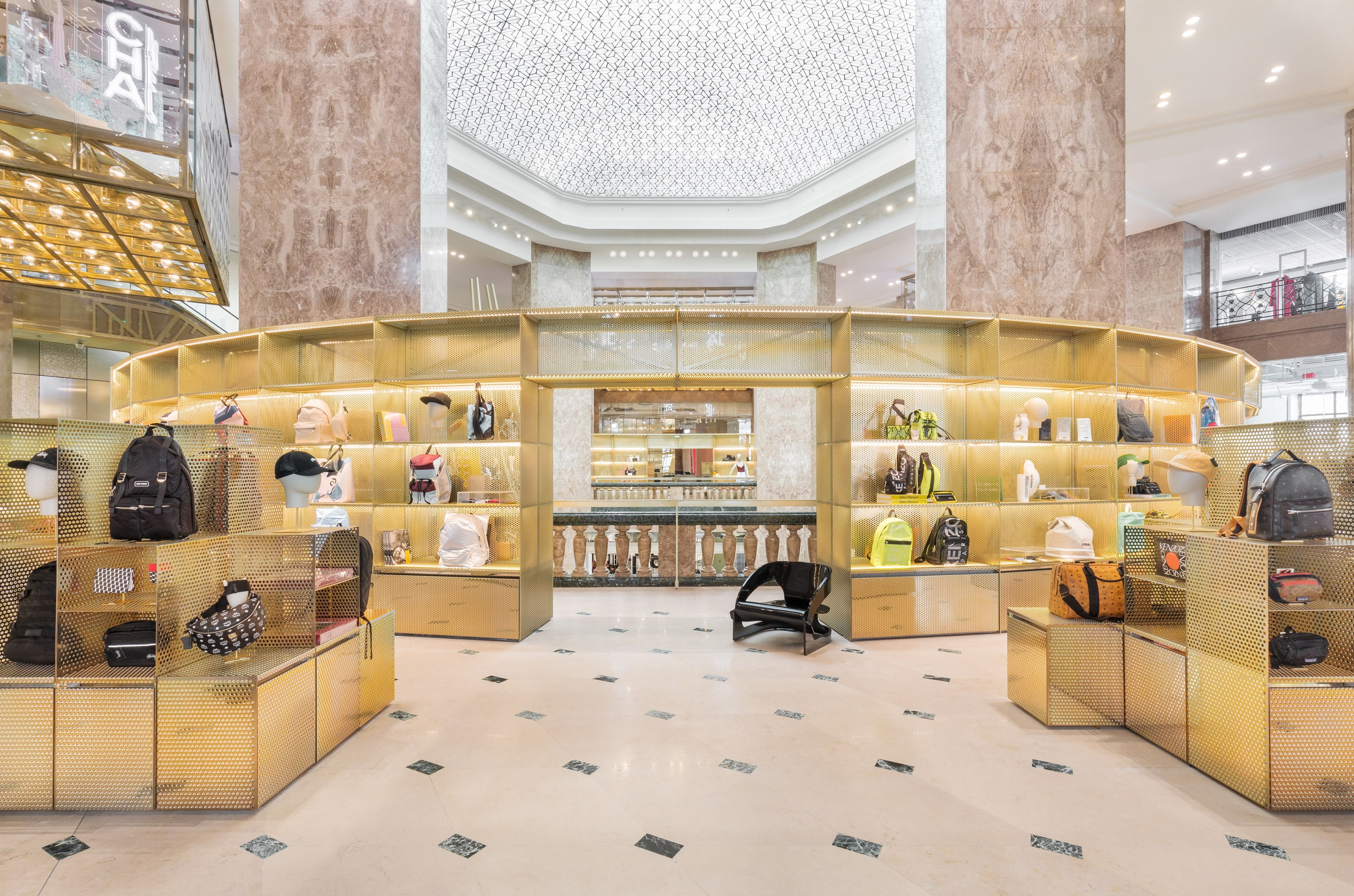 Galeries Lafayette Flagship On Champs Elysees Picture Gallery Paris Interiors Design Urban Living Room