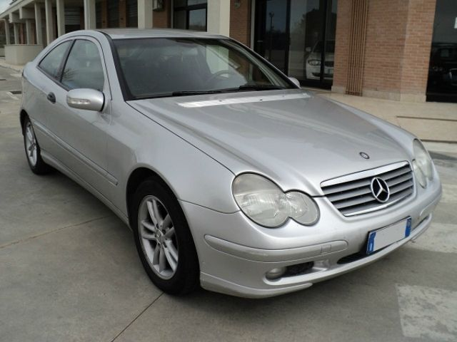 Mercedes Benz C 220 Cat Sportcoupe Avantgarde A 5 100 Euro Coupe 158 320 Km Diesel 105 Kw 143 Cv 12 2003 Annunci