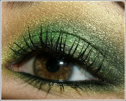 Looks - Super Smoky Black, Green, and Gold Eye