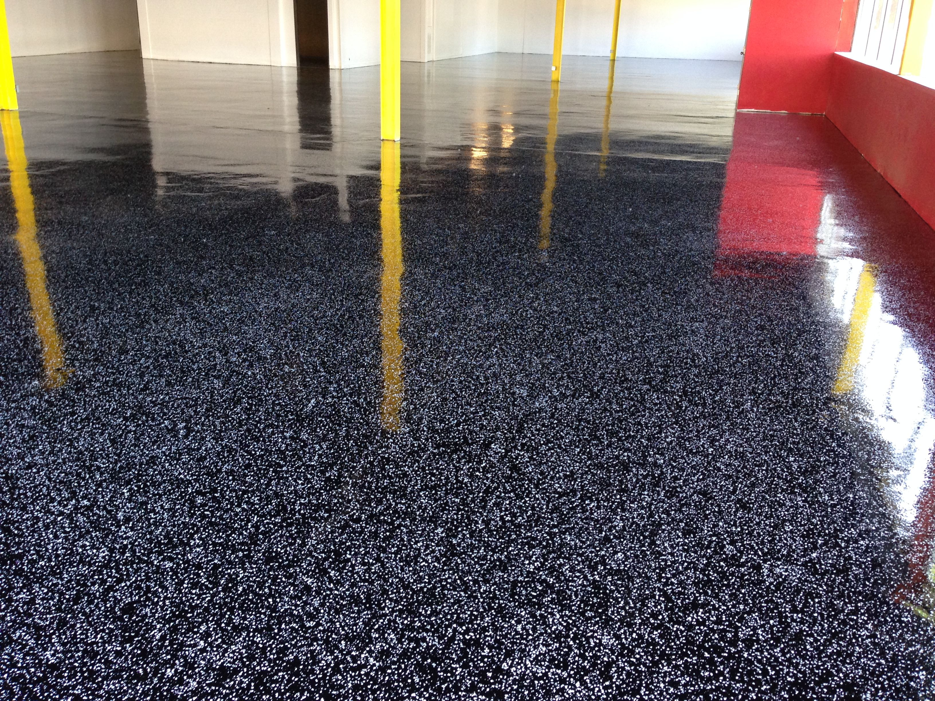 1 4  Salt and Pepper  Black and White  on black epoxy floor. 1 4  Salt and Pepper  Black and White  on black epoxy floor