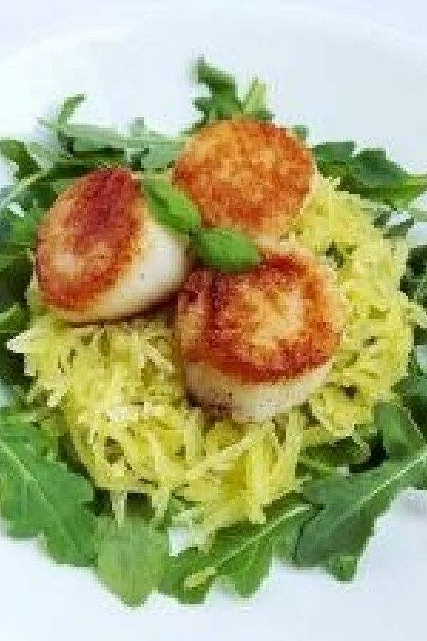 Seared Scallops with Spaghetti Squash grain-free #seared #scallops #with #spaghetti #squash
