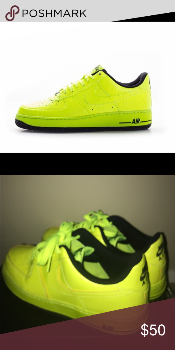 Nike Lunar Python AF1 A Nike Air Force 1 highlighter green tennis shoe.  Very comfortable. Worn twice. Size 6 1 2 boys 8 in women. 9ad72f1e63