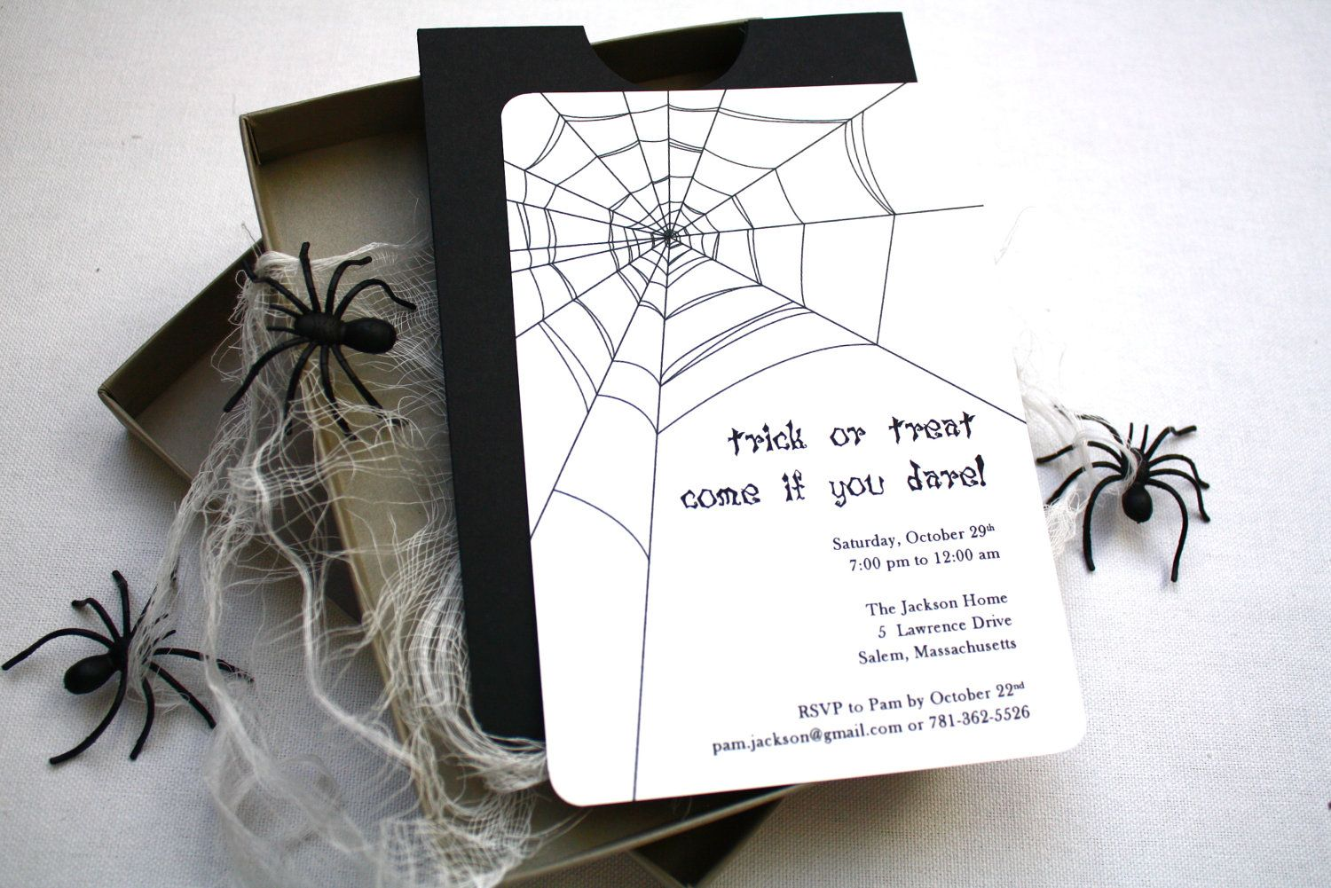Spooky Spider Halloween Party Invitation - Box Mailer, Black Spiders ...