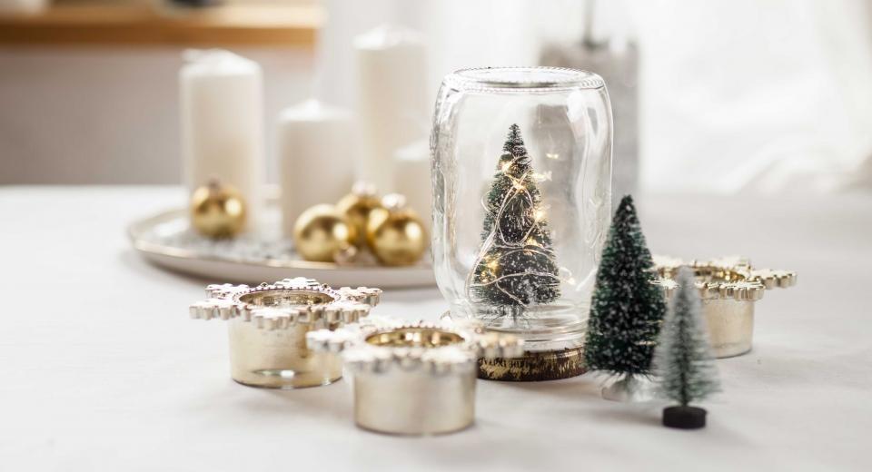Dit Jaar Gaan We Voor Een Pinterest Kerst Libelle Lekker Kleine Kerstbomen Kerstdecoratie Kerst