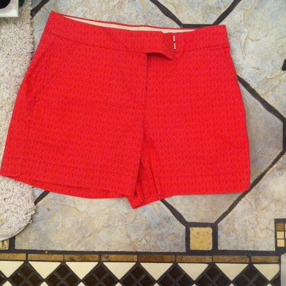 Super cute orange/pink shorts Izod name brand shorts! Super cute print! It's in style where I'm from IZOD Other
