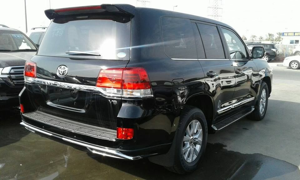 Rci Motors Offers Best Rent A Car Lahore Service With Driver Or Without Driver Rent A Car Toyota Land Cruiser Car