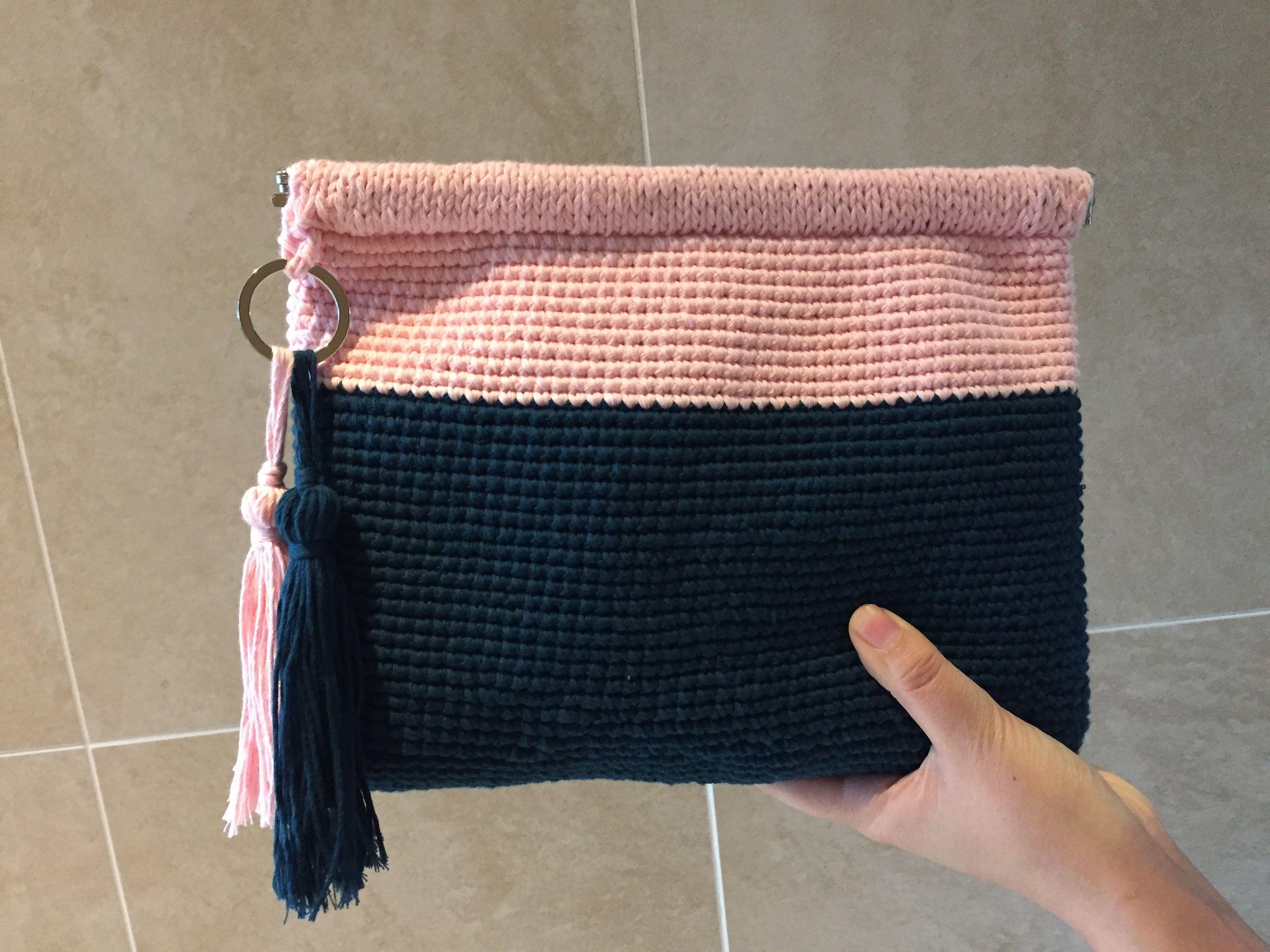 직접 만드는 니트 클러치 Knit Clutch on my self http://blog.naver.com/sera2401/220711687216
