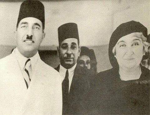 السيدة صفية زغلول و الدكتور أحمد النقيب في إفتتاح مستشفى المواساة سنة 1935s Old Egypt Egyptian History Alexandria Egypt
