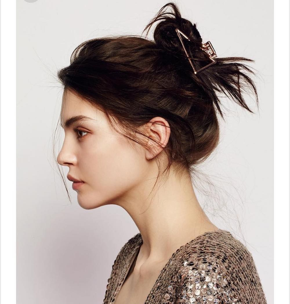 Claw clip hairstyle hair ponytail styles clip