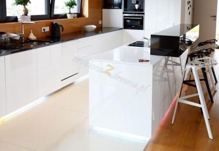 Meble Kuchenne Wadowice Przyklad Kuchni Drewnianej Furniture Home Decor Decor