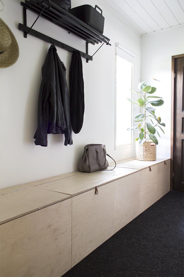 Hallway storage for coats  Töttöröö toverit Mun piti tämä postaussarja tehdä jo toukokuussa