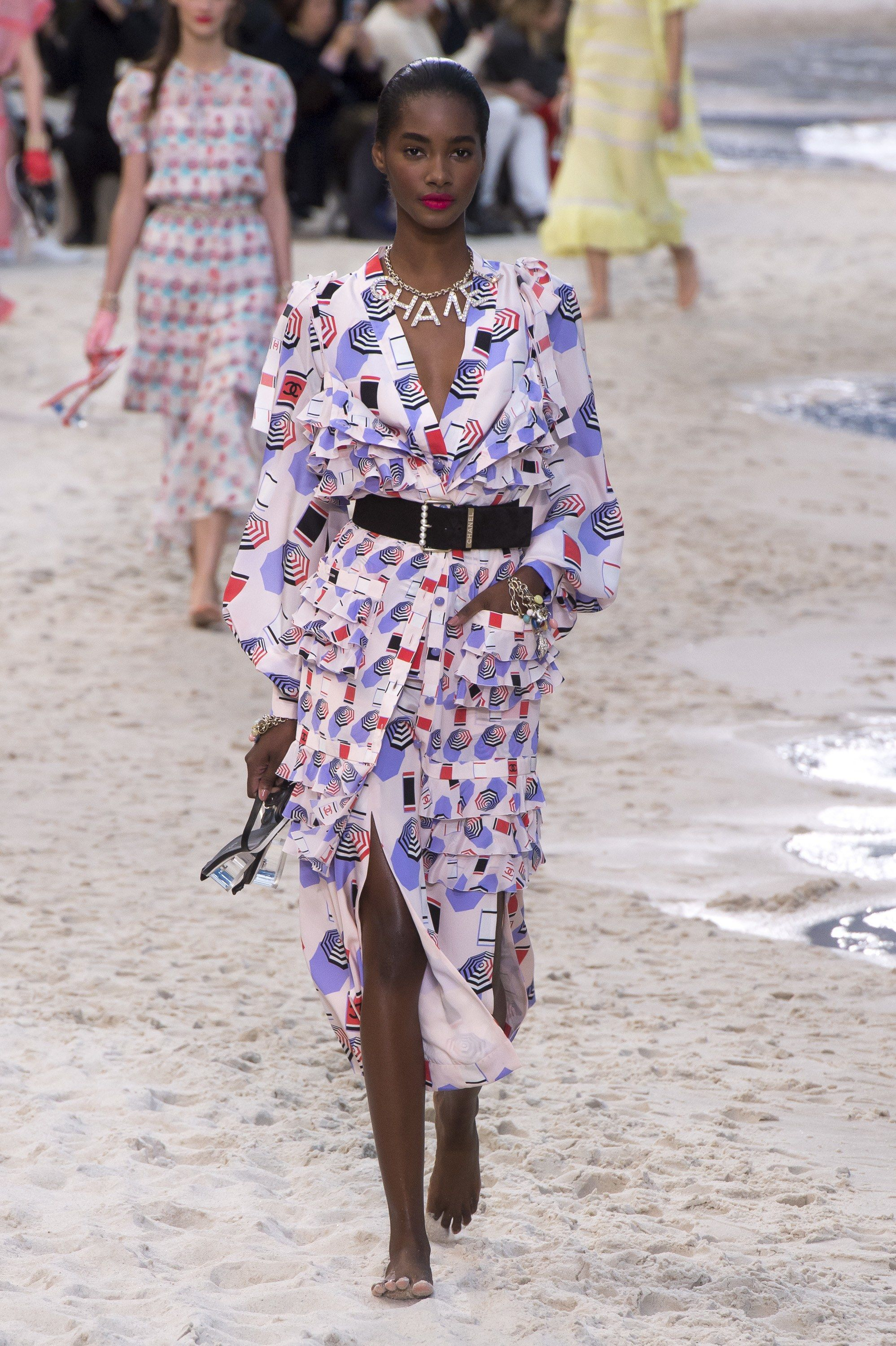 14f5dce9533 Chanel Spring Summer 2019 Ready To Wear-ready Woman Vogue Runway Print  Trend umbrella - Read the Spring Summer 2019 Trends Fashion Week Coverage  on ...