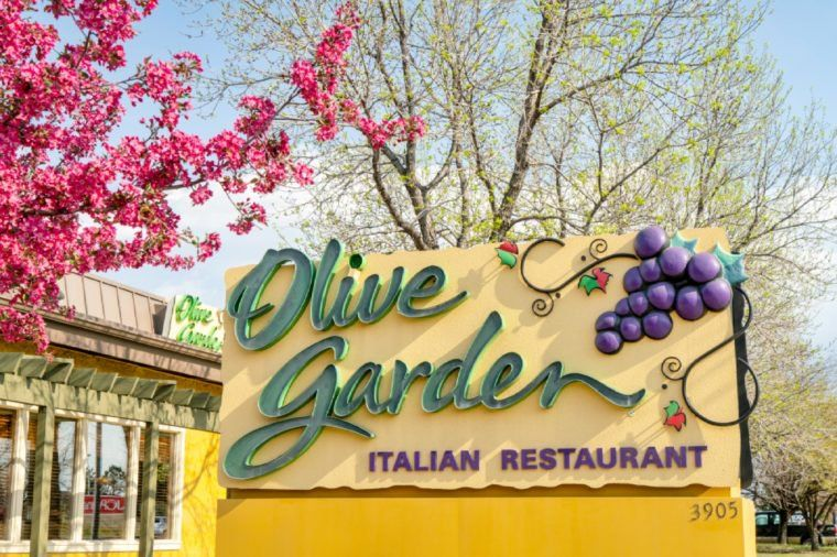 16 Secrets Olive Garden Doesnt Want You to Know Olive