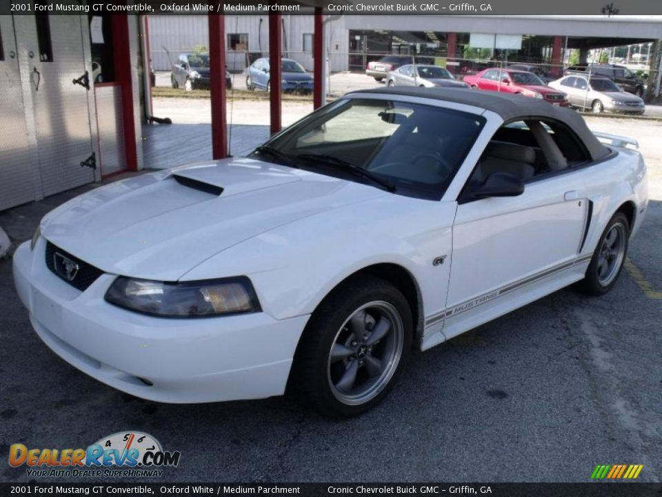 2001 ford mustang convertible specs