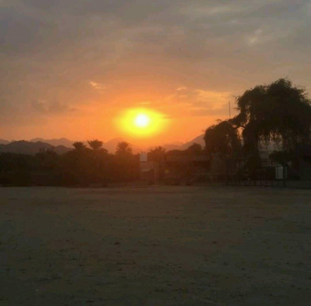 شبكة أجواء الإمارات غروب الشمس هذا اليوم في خورفكان من الزميل X 9ab Instagram Instagram Posts Sunset