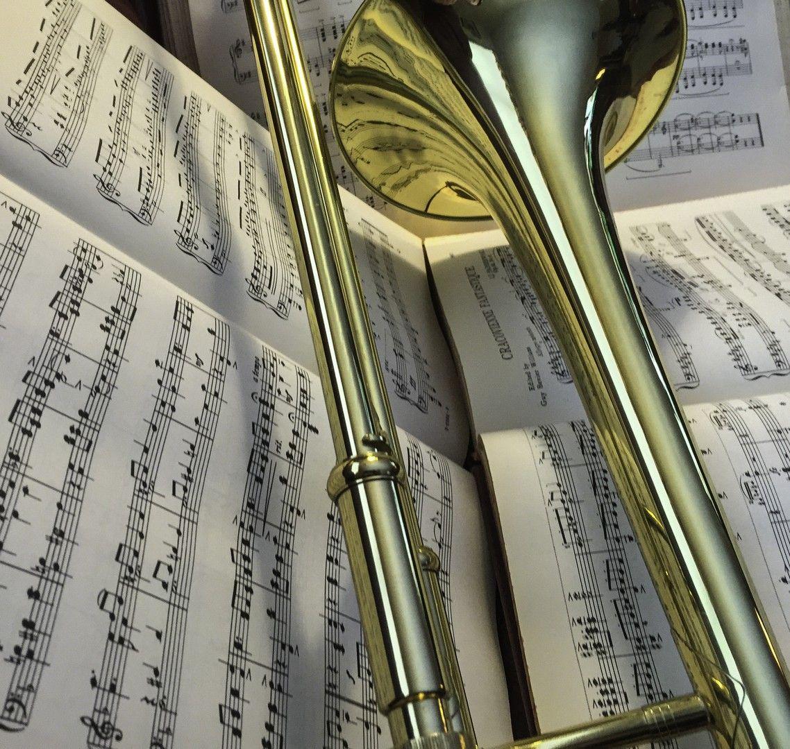 Hd Trombone Wallpaper Trombone Trombone Art Senior Pictures Boy Poses