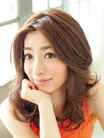 吉高由里子風 長めセンター分け前髪 作り方 ヘアアレンジ 美的 美髪