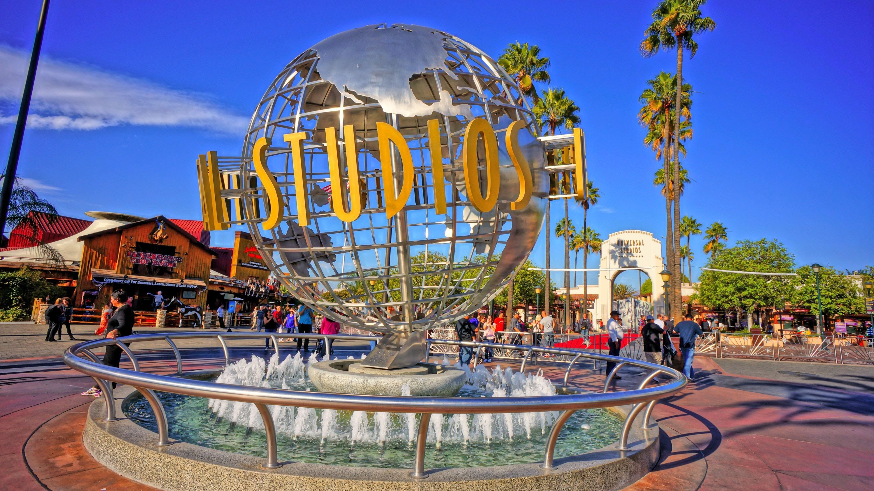For Both Detours Teams Must Make Their Way To Universal Studios Description Fro Universal Studios Theme Park Los Angeles Parks Universal Studio Los Angeles