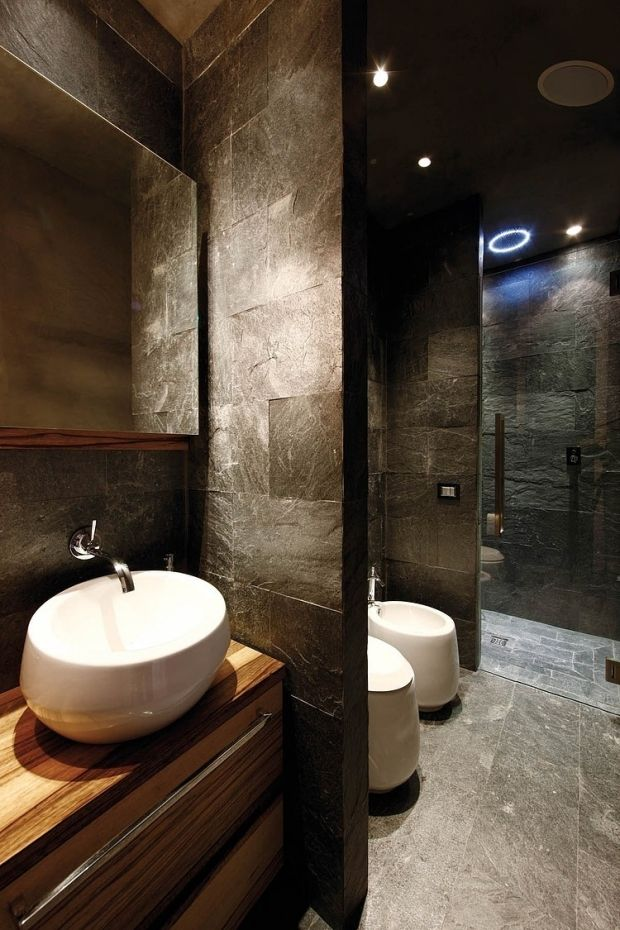 design-bad-ideen-aufsatzbecken-rustikal-waschtisch-holz-stein - fliesen badezimmer ideen