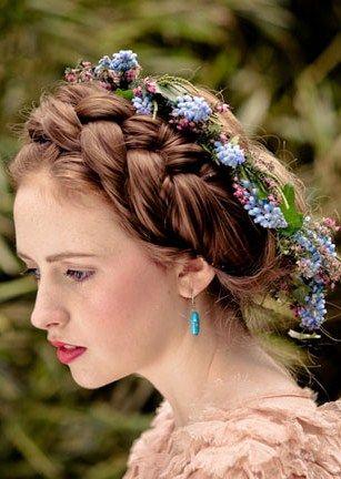 Pin By Elena Cirulis On Russian Wedding Hair Styles Russian Hairstyles Hair Arrange
