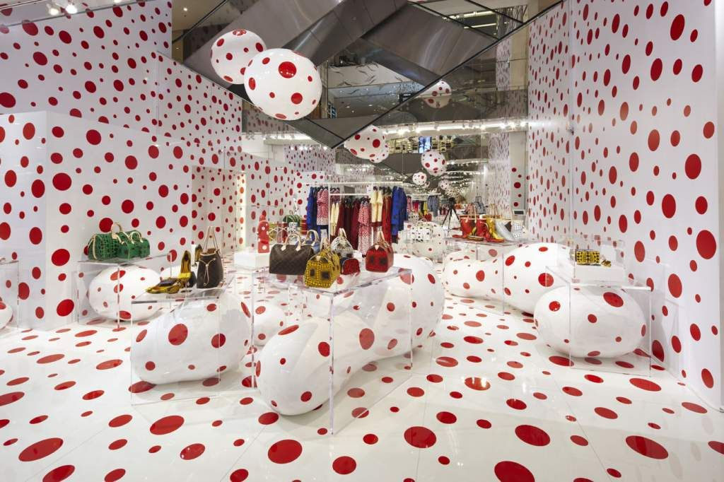 b00990180a2f09 The Louis Vuitton Yayoi Kusama Pop Up store at Printemps Paris.© Louis  Vuitton  www.frenchriviera.com