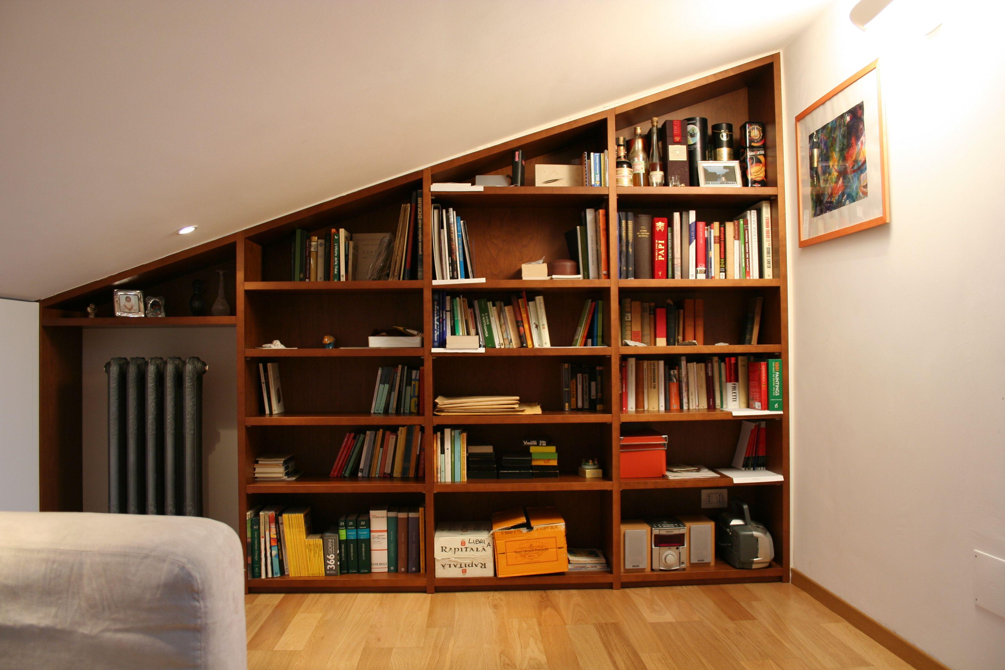 Libreria in mansarda arredamento mansarde pinterest