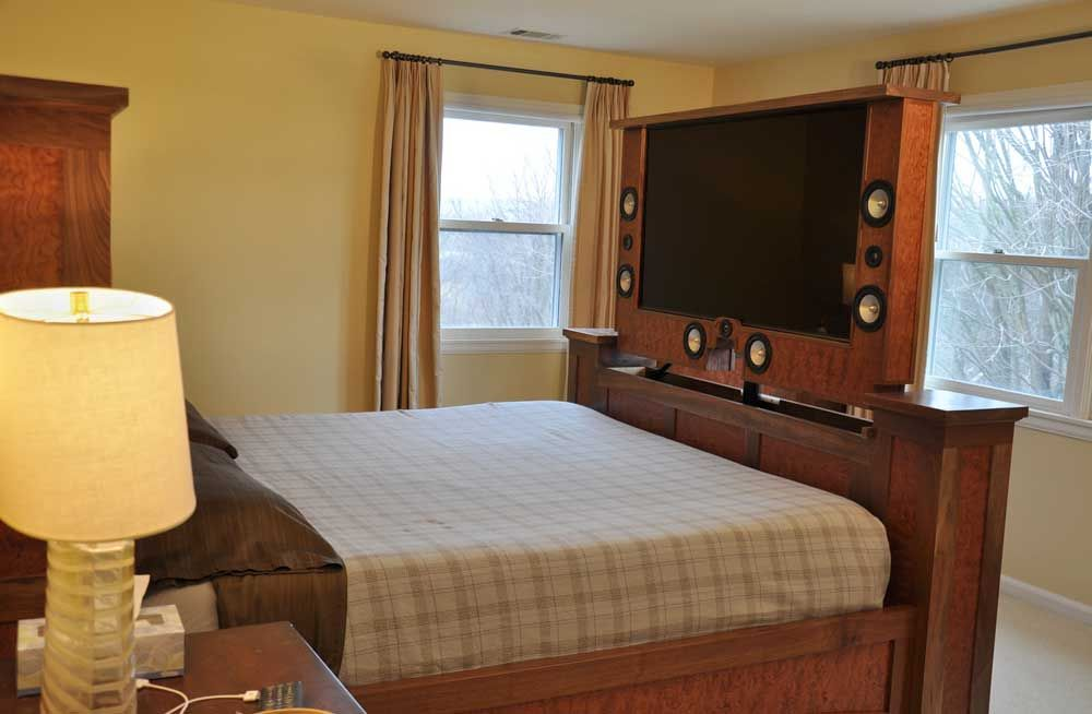 End Of Bed Tv Tv Beds Foot Of Bed Swivel Tv Stand