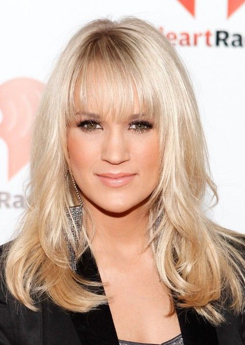 Carrie Underwood Long Straight Hairstyles With Wispy Bangs In 2019