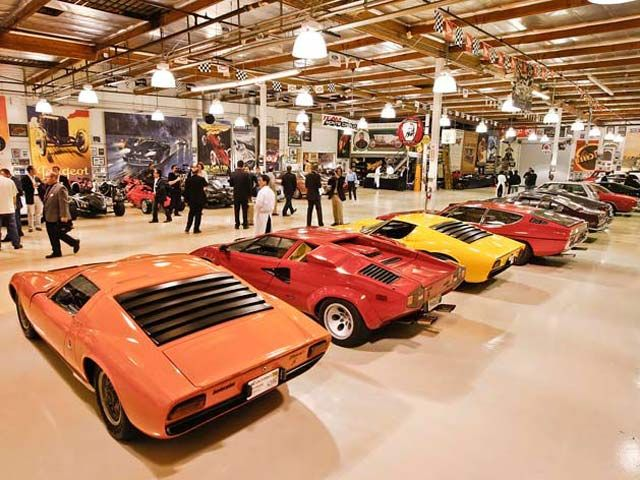 Breaking Jay Leno Reportedly Sold Car Collection To Arab Sheikh Jay Leno Garage Celebrity Cars Car Collection