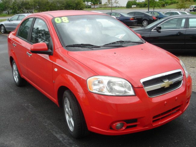 2008 Chevy Aveo I Think This Wud Be Such A Cute Little Commuter