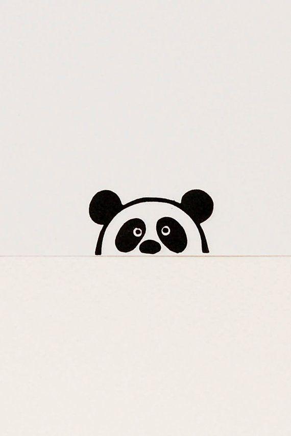 He encontrado este interesante anuncio de Etsy en https://www.etsy.com/es/listing/217802024/suspicious-panda-bear-peek-a-boo-stamp