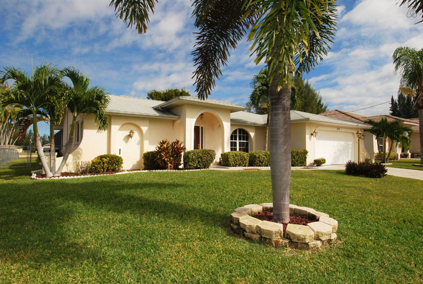 Villa Tequila Sunrise Great Home In Cape Coral Condos In Florida Florida Vacation Rentals Vacation Home