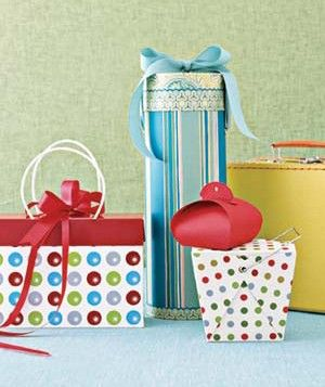 http://www.realsimple.com/holidays-entertaining/gifts/wrapping/creative-gift-wrapping-ideas-00000000014208/page13.html