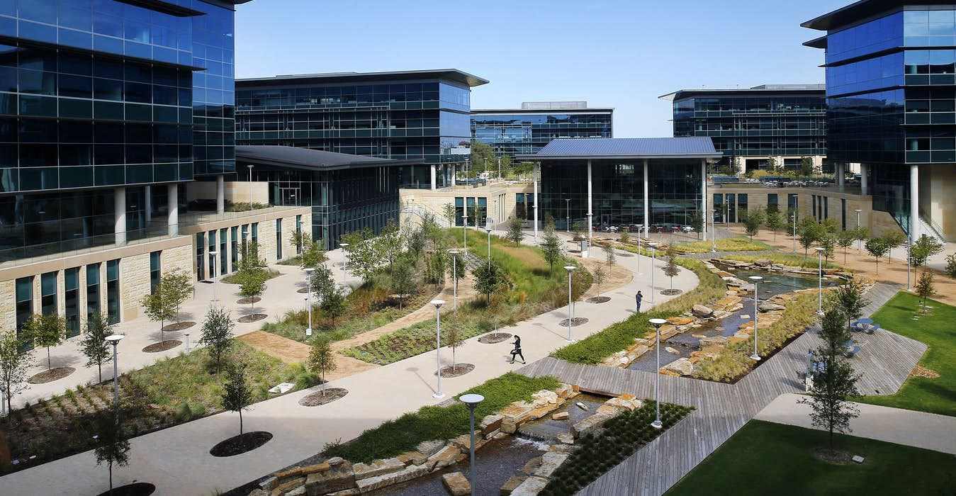 Toyota Headquarters Plano Texas >> Toyota S New Texas Headquarters Is An Architectural Camry