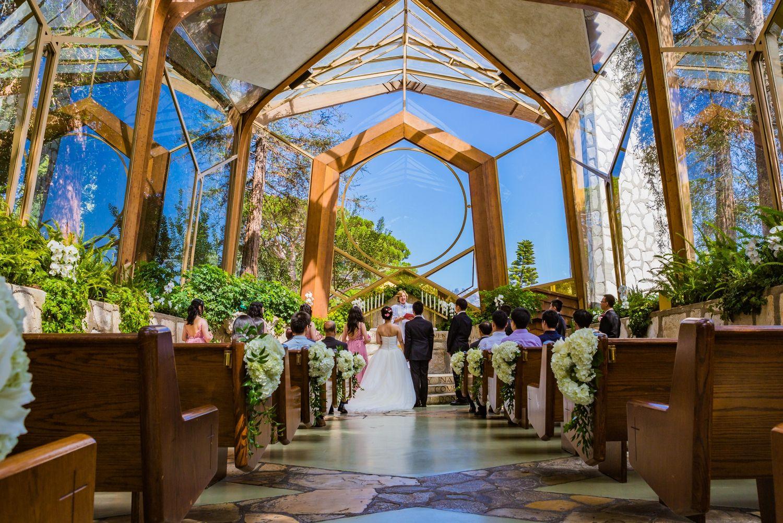 Intimate Wedding Ceremony Wayfarers Chapel Rancho Palos Verdes Ca Wayfarers Chapel Southern California Wedding Venues Wedding Southern California
