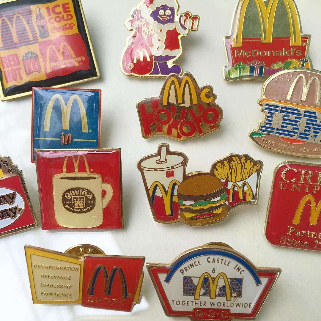 Pin Restaurant Mac Donalds mcDonalds McDonald´s World badge PLEASE READ