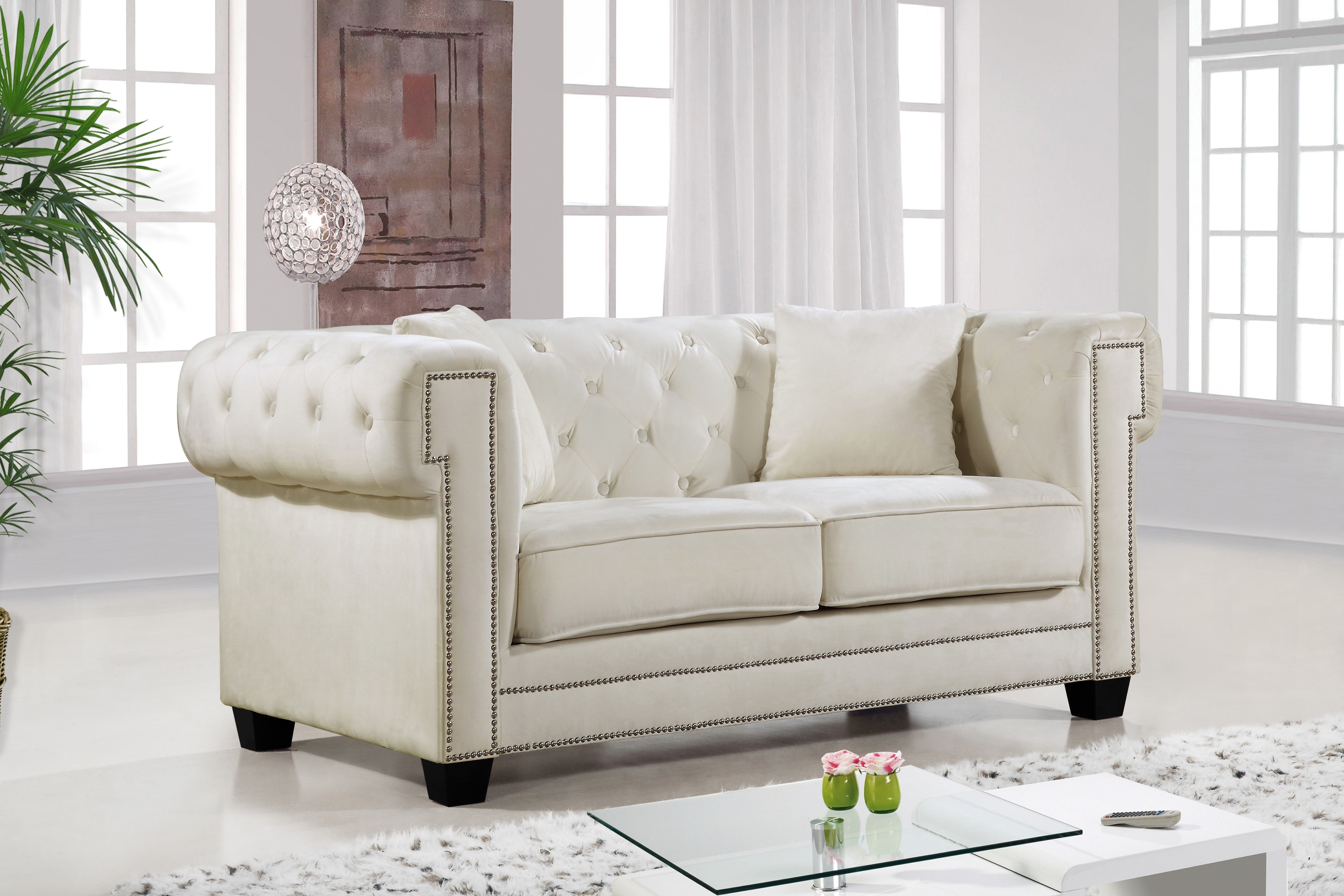 Charmant MERIDIAN FURNITURE   The Bowery Love Seat Features Beautifully Designed  Tufted Velvet Upholstery With Custom Wood