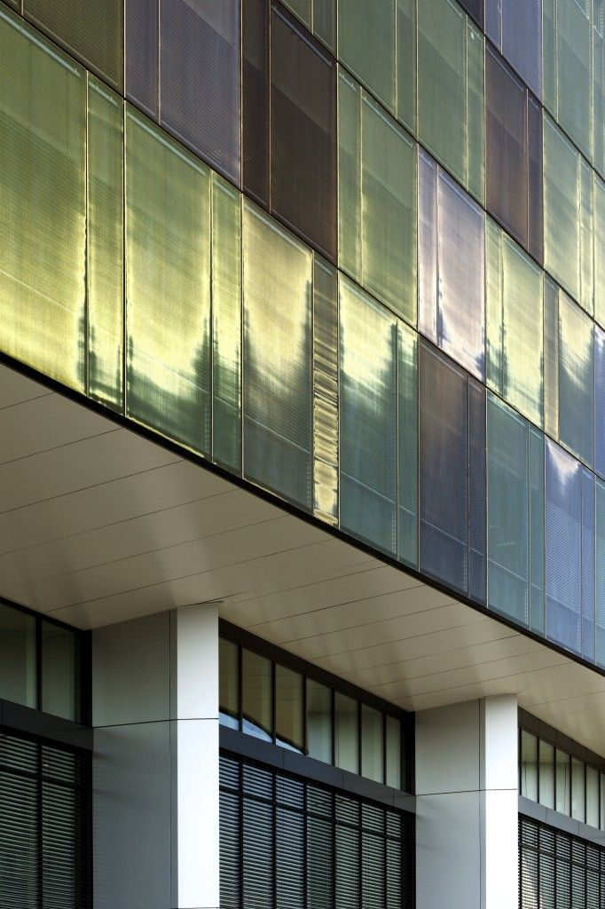 Highrise shimmers with SEFAR® Architecture Vision