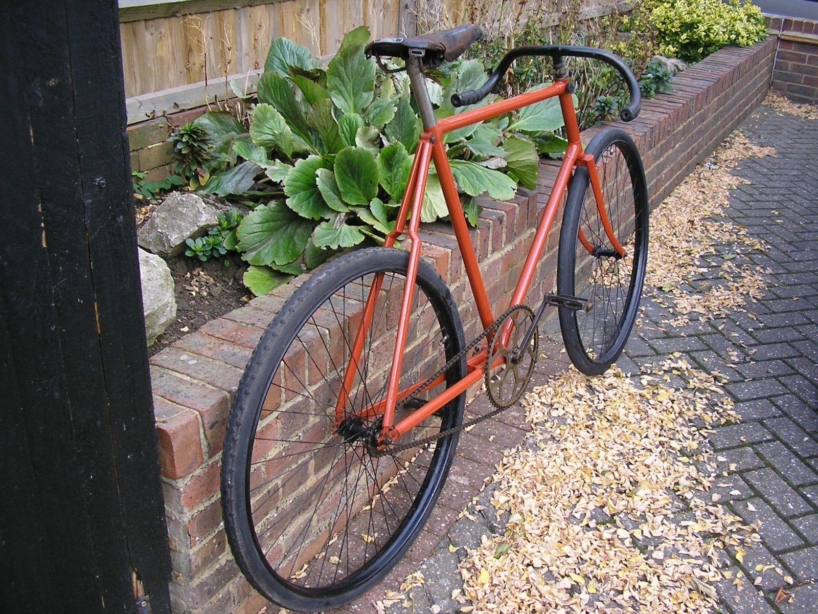 Bicycle track vintage understood not