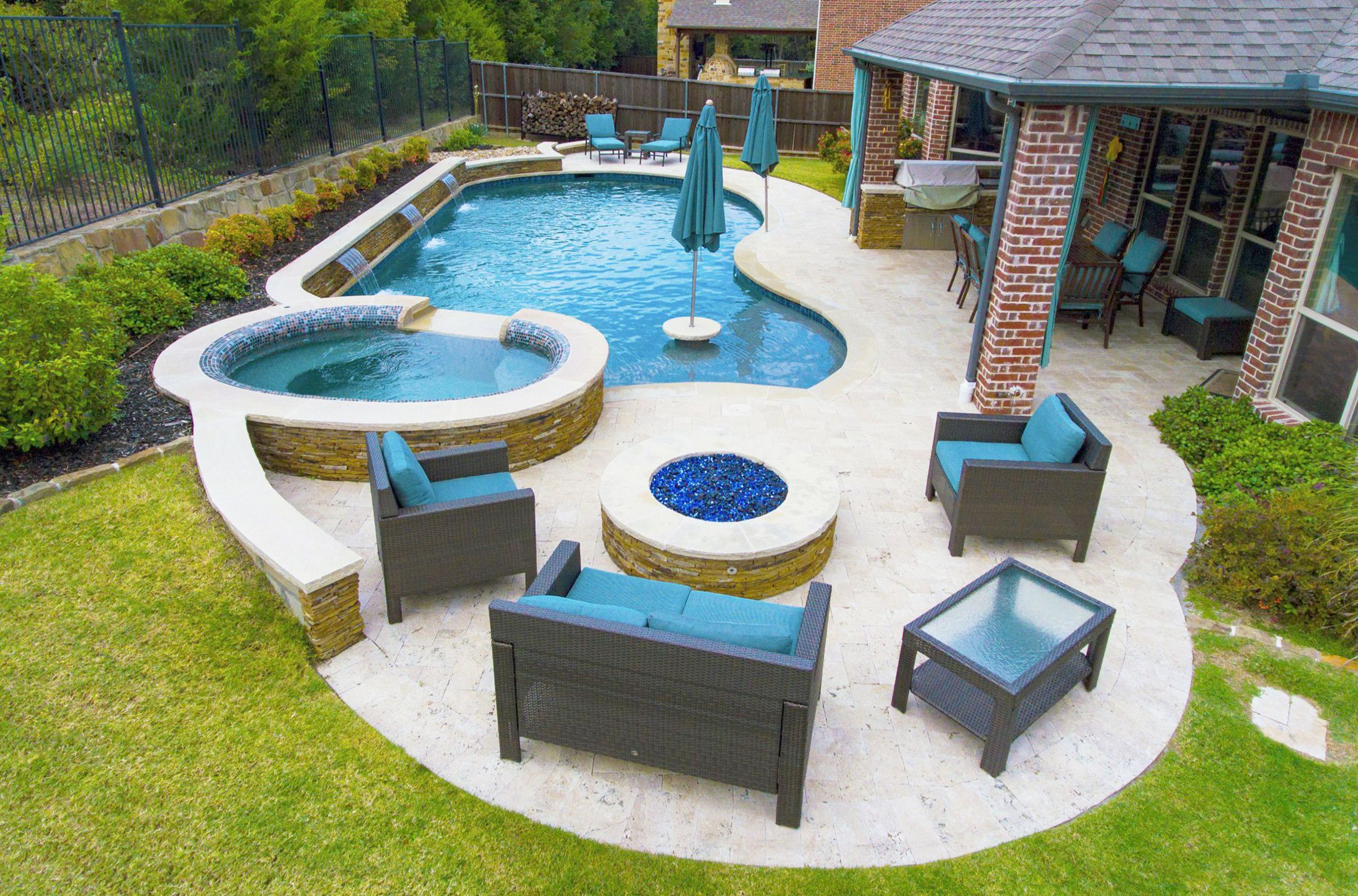 Landscaping Advice You Can Try Out Today Backyard Pool Designs Small Backyard Pools Swimming Pool Designs