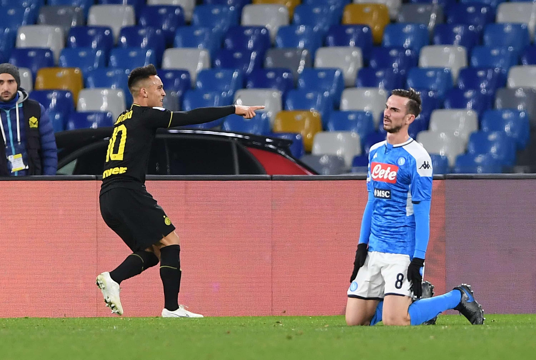 Con gol de Lautaro Martínez, Inter venció a Napoli y sigue