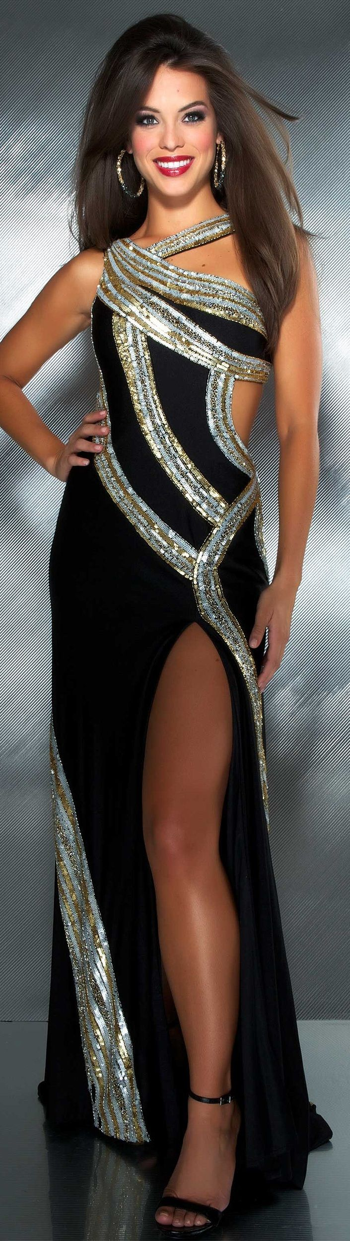 M✮✮ Please feel free to repin ♥ღ www.fashionandclothingblog.comac Duggal couture 2013 ~