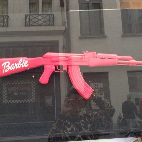 On Pinterest Kitkatlovekesha Pin Weapons Pink Barbie AK 47 Gun