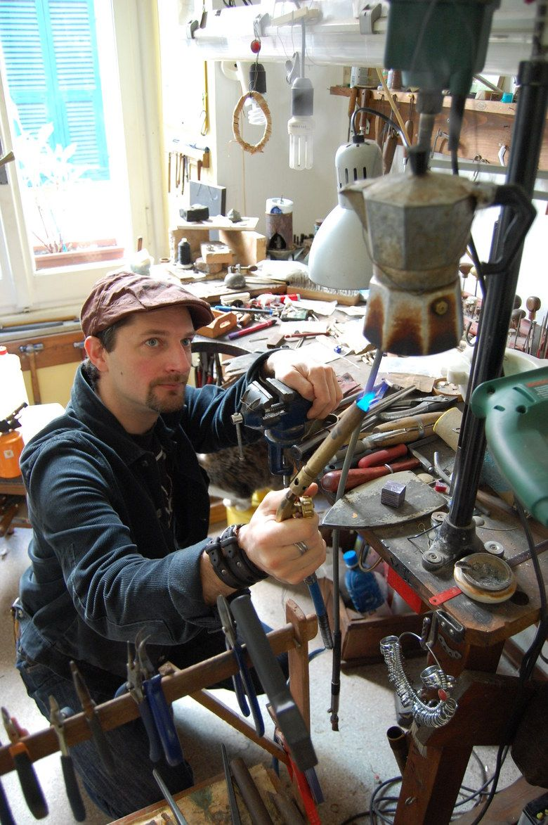 workshop and district :Blind Spot Jewellery How a metalsmith makes coffee.