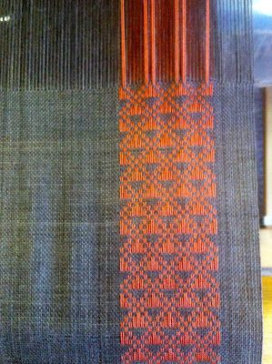 Lovely scarf on the loom by Scottish weaver Dorothy Stewart. via Little Garth Lochmaben