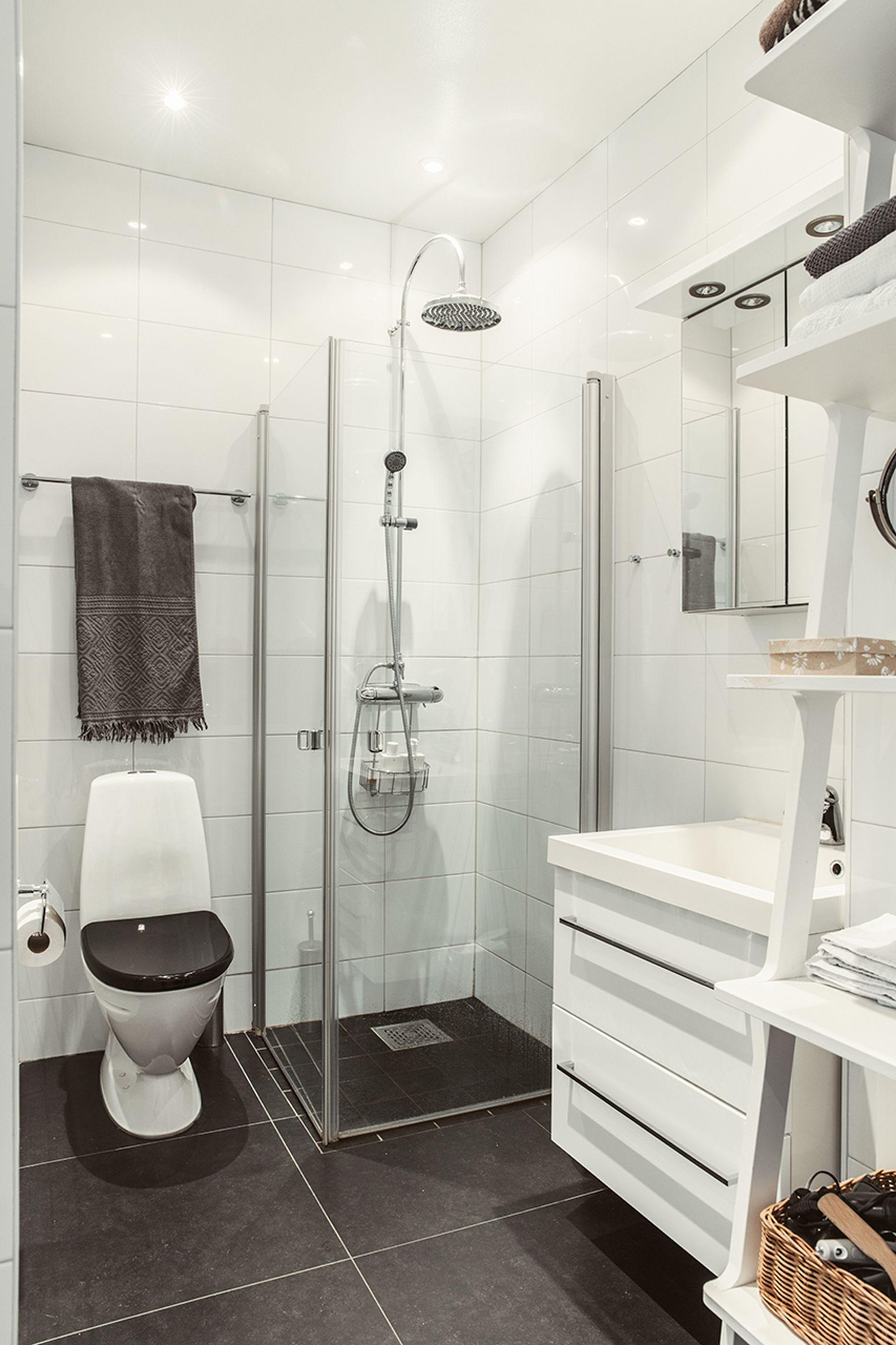 Pin by Lollo Nordin on Läggan | Pinterest | Contemporary bathrooms ...