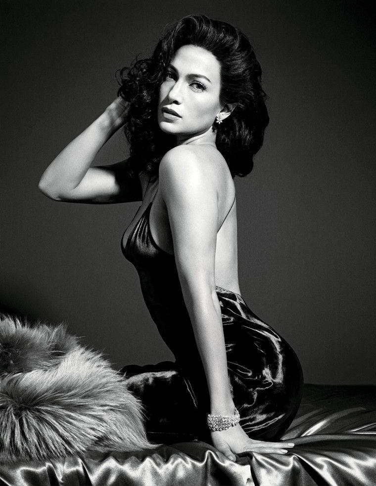 24 июля , бронкс, нью-йорк) — американская актриса, певица, танцовщица, модельер, продюсер и бизнесвумен.