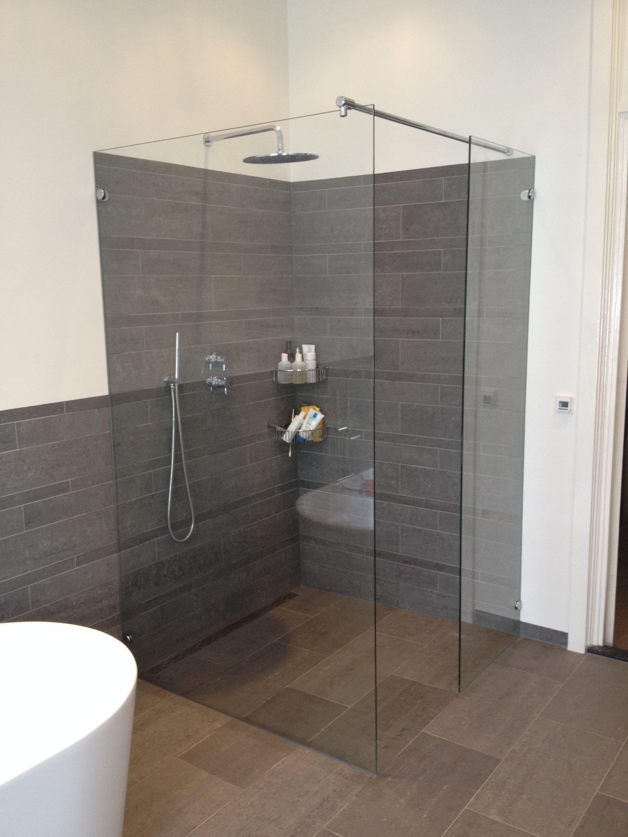maatwerk glazen hoekinstap als inloopdouche badkamer pinterest